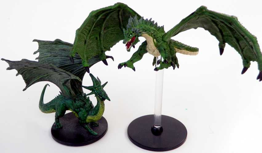 Green dragons - 2008 D&D Starter Set vs. new flyer